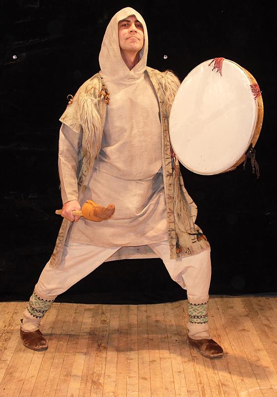 Своими руками костюм-шаман 6