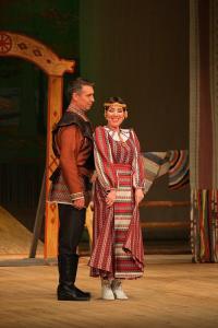 Вась (Александр Ветошкин) и Дарья (Зоя Осипова)