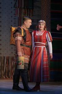 Павел (Александр Канев) и Марья (Альбина Карманова)