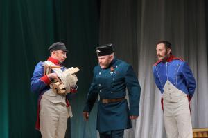 Анри Делакруа (Александр Ветошкин), Модест Серпионович (Сергей Туркин) и Мишель Канье (Андрей Епанешников)
