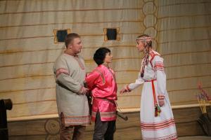Тикӧ (Александр Канев), Мате (Анна Попова), Сяринь (Анна Бобрецова)